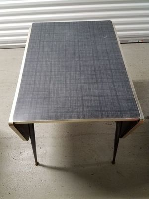 Retro/Vintage 1960's small foldable kitchen table for Sale in Chicago, IL
