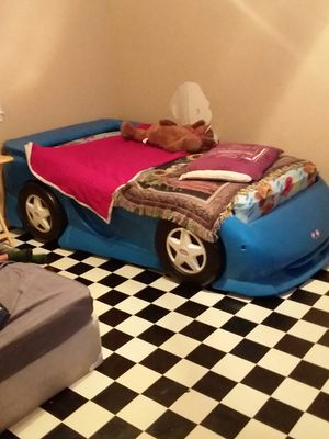 BLUE CAR BED for Sale in Hillister, TX