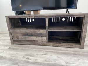 Ashley TV table for Sale in Los Angeles, CA
