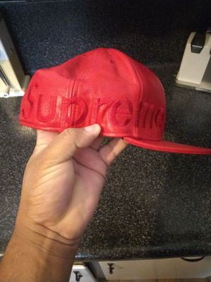 Supreme hat for Sale in Baldwin Park, CA