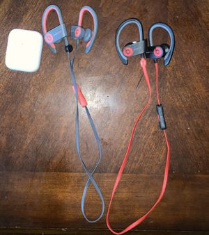 Airpod 2's wireless charging and two powerless beats for Sale in West Springfield, VA