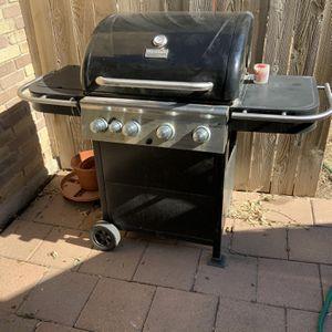 Char Broil 4 Burner Propane BBQ Grill ( Includes Side Burner) for Sale in San Antonio, TX