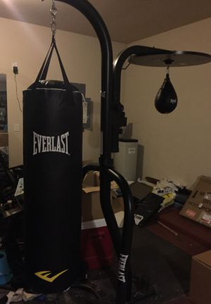 Brand new everlast punching bag and speed bag eith gloves and hand wraps for Sale in Katy, TX