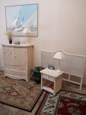 Beautiful 3pc queen coastal style wicker bedroom set for Sale in Sebastian, FL