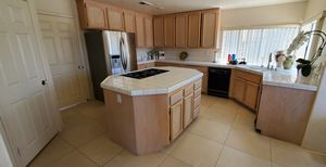 Full Kitchen Solid Oak in excellent condition for Sale in El Cajon, CA