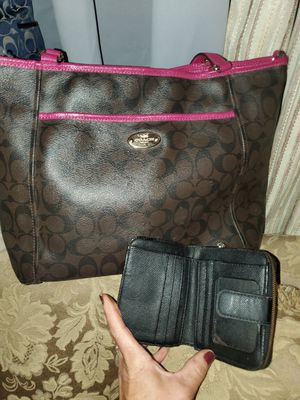 Coach tote & wallet for Sale in Lawrenceville, GA