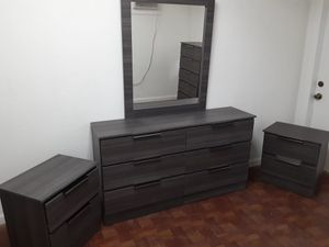 NEW MIRROR DRESSER AND TWO NIGHTSTANDS for Sale in Fort Lauderdale, FL