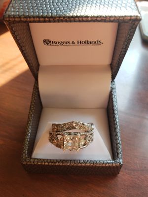 Ring set diamond and silver for Sale in Farwell, MI