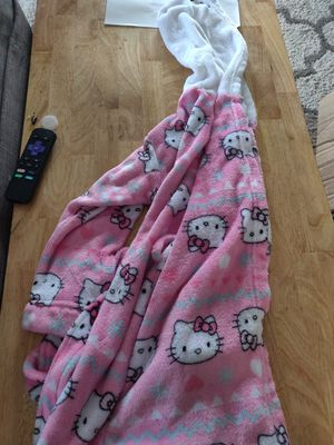 Girls Size Small Robe for Sale in Livonia, MI