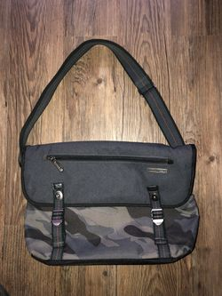 Gray Camo Hedgren shoulder messenger bag for Sale in Pittsburgh,  PA