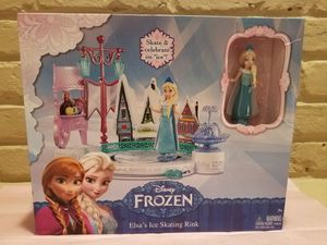 FROZEN ELSA'S ICE SKATING RINK PLAYSET for Sale in Fairfax, VA