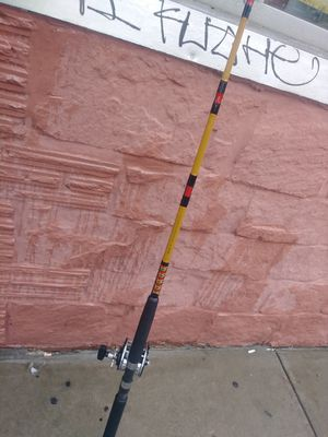 Ugly stick fishing rod with a penn 309 for Sale in Brooklyn, NY