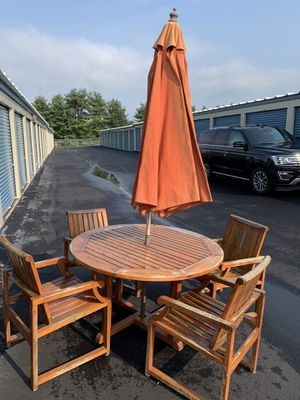5 pc Kingsley Bate teak dining set with umbrella for Sale in Bellefonte, PA