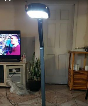 4ft lamp for Sale in Los Angeles, CA