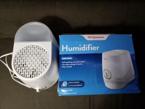 Walgreens humidifier Cool Mist 0.8 gallon capacity for Sale in West Palm Beach, FL