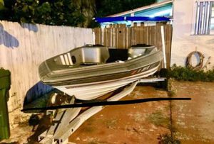 Trophy Bayliner 17 foot Bass Boat & Galvanized Trailer. With Title on hand. Great condition. No motor. Reduced price $650 for Sale in Hialeah, FL