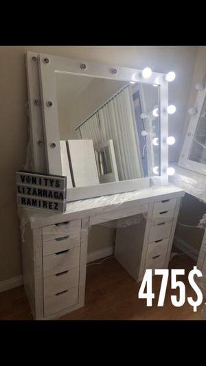 Makeup vanities for Sale in Laveen Village, AZ