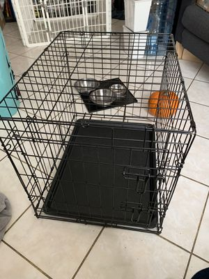 Small dog crate for Sale in Richmond, CA