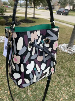 Kate spade floral small bucket crossbody for Sale in Katy, TX
