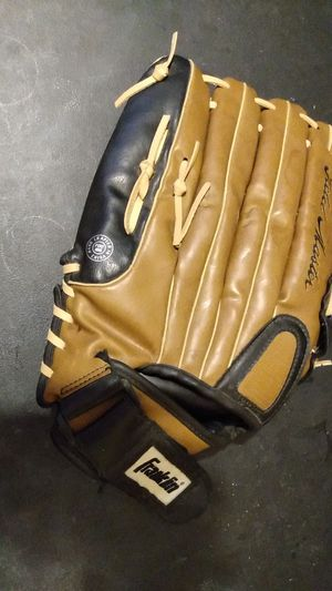 """Franklin adult baseball or softball glove 14"""" for Sale in Los Angeles, CA"""