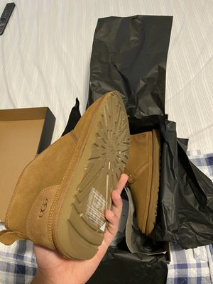 Ugg M Neumel size 10 for Sale in New York, NY