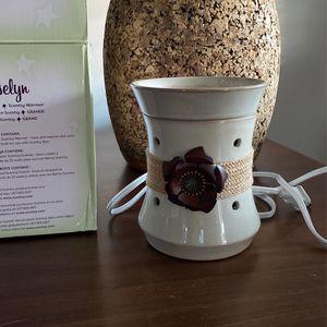 Scentsy Rosalyn Electric Candle Wax Warmer for Sale in La Mirada, CA