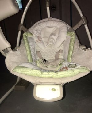 Cradle and Sway SWING for Sale in Elyria, OH