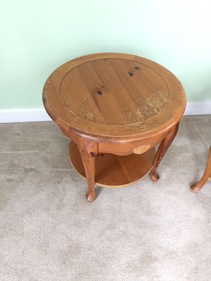 Round side table for Sale in Gambrills, MD