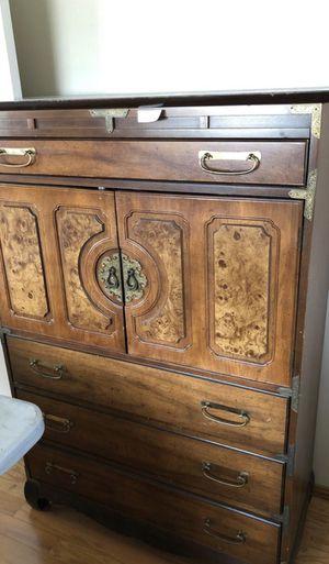 Antique dresser for Sale in Palos Verdes Estates, CA