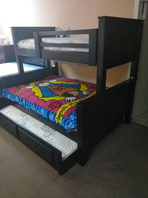 Triple Bunk Bed with mattresses for Sale in Santa Monica, CA