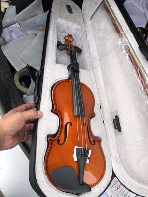 Ahí ta el Violin nuevo en su caja 120 quiero for Sale in Denver, CO