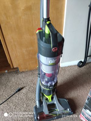 vacuum new Hoover for Sale in Columbus, OH