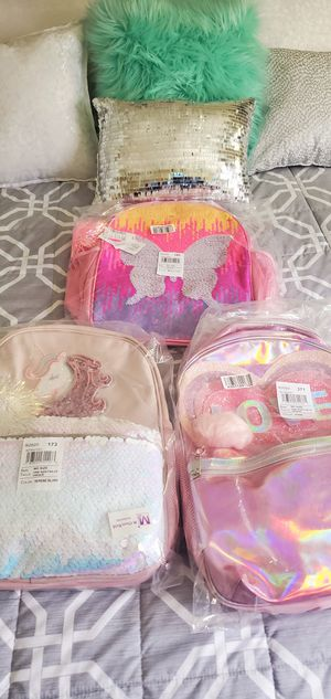 One size girls backpack for Sale in Temecula, CA