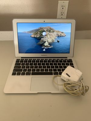Mac book air 2013/11 inch with original charger for Sale in Visalia, CA