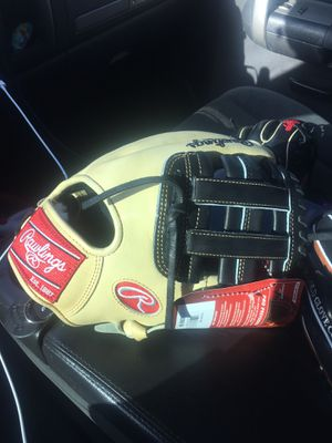Rawlings pro preferred 11.5 new with tags $230 baseball glove for Sale in Chino, CA