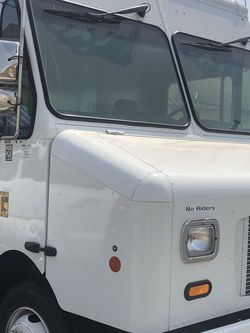 Busco Camion De 16 Pies for Sale in Whittier,  CA