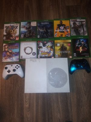 Xbox one x 10 games and 2 controllers for Sale in Duncanville, TX