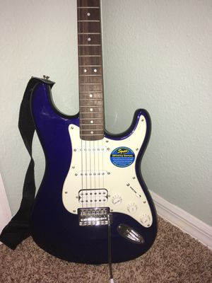 Fender Electric Guitar with amp, case and tuner for Sale in Valrico, FL