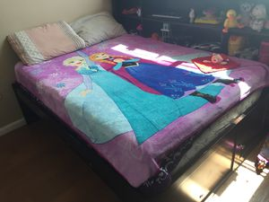 Queen bed room set 4 pieces with the mattress for Sale in St. Petersburg, FL