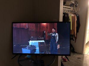 Roku tv 43 in. 2 TVs for Sale in Phoenix, AZ