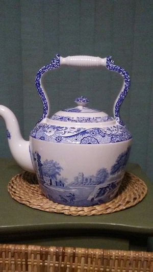 Large Italian Spode Teapot for Sale in Federal Way, WA