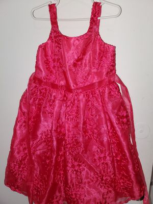 BEautiful fusia dress with flowers for little girl for Sale in Miami Gardens, FL