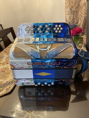 Gabbanelli 2 tonos fa y mi for Sale in Lynwood, CA