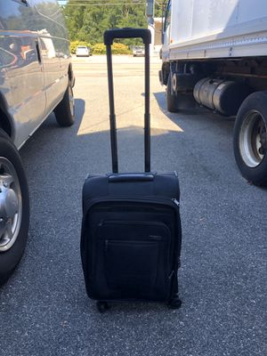 Rolling Carry On Suitcase for Sale in Warwick, RI