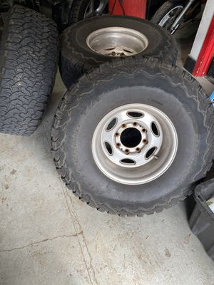 35 weld wheels and tires ford super duty f350 rims for Sale in Portland, OR