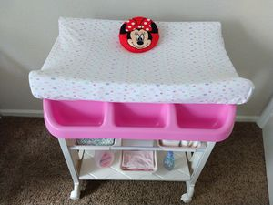 Baby Spad Stand Up Bath and Changing Table with Wheels for Sale in Orlando, FL