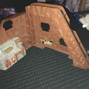 Obo Car Toy Delivery Missing Slide Down for Sale in Los Angeles, CA