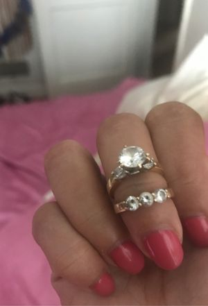 14k gold size 4 set ring for Sale in Baltimore, MD