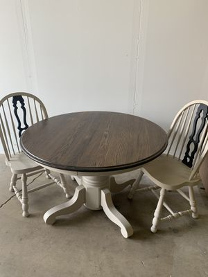 Round Table and chairs for Sale in Mather, CA
