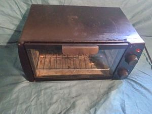 Used small toaster oven for Sale in Winnsboro, TX